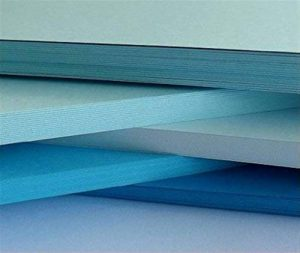 Dalton Manor Lot de 100feuilles de papier coloré 80g/m² Plusieurs teintes au choix Encre bleue de la marque DALTON MANOR image 0 produit