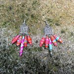 Ethnic Earrings, Indian Style, Bollywood, Dangle Earrings, Multicolored Paper Beads, Graphic/Boucles d'oreille ethniques, style indien, bollywood, pendants d'oreilles, perles papier multicolores, graphique de la marque Voici Voilà France image 2 produit