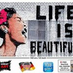 GREAT ART Affiche Banksy, décoration de peinture murale d'artiste de Graffiti Life is Beautiful, style de rue Pop, style d'Artiste de rue Stencil | mur deco Poster mural Image by (140 x 100 cm) de la marque GREAT ART image 1 produit