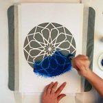 Namaste Lotus Fleur Pochoir - Carton ou plastique - A3 42 x 29,7cm - Fleurs de lotus largeur 24cm - peinture, artisanat, mur, pochoir meubles - enfants réutilisables amical (Plastique) de la marque QBIX image 4 produit
