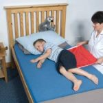 NRS Healthcare Toile de Transfert Multi Mover Plus Petite, Rouge de la marque NRS Healthcare image 1 produit